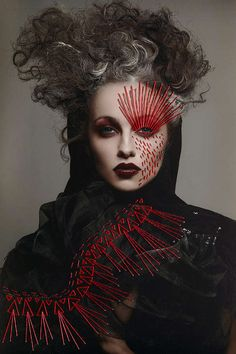 Dark beauty - This dark beauty editorial series for Z!nk Magazine features some oddly coiffed hair-dos and dark fashion. Photography Women, Beauty Photography, Make Up Art, How To Make, Art Visage, Avant Garde Hair, Fantasy Make Up, Poster Design, Fashion Moda