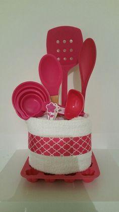 Kitchen Gift Baskets, Kitchen Towel Cakes, Teen Gift Baskets, Raffle Baskets, Homemade Gifts, Diy Gifts, Silent Auction Baskets, Diy Wedding Gifts, Birthday Gifts