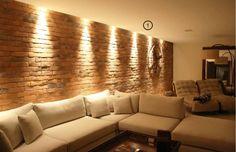 projeto-de-iluminacao-de-sala-de-estar-spot-na-parede Cozy Place, First Home, Simple House, Interior Lighting, Luxury Living, Decoration, Living Room Decor, New Homes, Home Decor