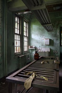 Morgue / CT State Hospital