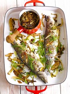 Don't be scared of cooking fish – this baked spiced sea bass with caramelised fennel is super easy and on the table within 45 minutes. And the flavours are just beautiful - enjoy! Falafels, Fish Recipes, Seafood Recipes, Healthy Recipes, Roast Recipes, Healthy Dinners, Dinner Recipes, Guacamole, How To Cook Fish