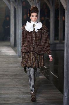 Chanel Métiers d'Art Pre-Fall 2013