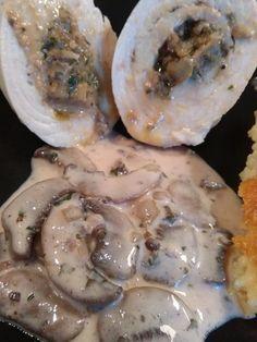 Des Ballotines de dinde farcies aux champignons et foie gras, servies avec une sauce aux champignons et au porto, recette approuvée !!!
