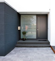 22 Modern Door Design Ideas - Local Home US - Home Improvement House Design, House Entrance, House Front, Modern Door, House Exterior, House Doors, Black Front Doors, Exterior Design, Front Door
