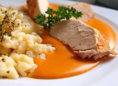 Piept de pui cu boia de ardei, gnocchi No Salt Recipes, Cooking Recipes, Sorrento, Gnocchi, Risotto, Mashed Potatoes, Food And Drink, Menu, Ethnic Recipes