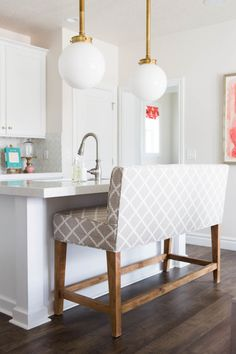 Modern kitchen island bench: http://www.stylemepretty.com/vault/gallery/39444 | Photography: Kate Osborn Photography - http://kateosbornephotography.com/index2.php#!/h_o_m_e