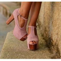 lita shoe in pink !!