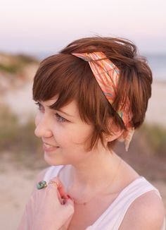 31 Summer Hairstyle Ideas Guaranteed To Look Stunning All Season Long - this is what my sis does with her pixie cut: Add tons of shine and pieciness to a short hairstyle with a luminizing mist, then top it off with a colorful bandana or scarf.