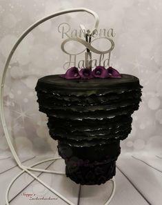 Hochzeitstorte upsite down Crown, Jewelry, Wedding Cake, Pies, Corona, Jewlery, Bijoux, Jewerly, Jewelery