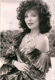 Joan Collins 'Your place or mine' Female Actresses, British Actresses, Actors & Actresses, Dame Joan Collins, Jackie Collins, Der Denver Clan, Famous Women, Big Hair, Classic Beauty