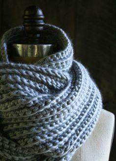 Crochet Cowl Pattern - Chunky Grey