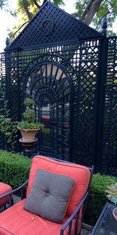 Dark Lattice : Gardening : Joe Ruggiero :: Accents of France Lattice brings architecture to any outdoor space! Outdoor Rooms, Outdoor Gardens, Outdoor Living, Outdoor Furniture Sets, Outdoor Decor, Home Vegetable Garden, Home And Garden, Porches, Backyard Retreat