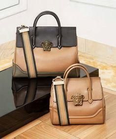 c2a689026a Les 10 meilleures images de Sac versace   Beige tote bags, Versace ...