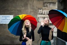 vogue-tales: s-tylized: c-lassic: rainbow! qd:)x ✖ more colorful street style here ✖ Best Of Fashion Week, World Of Fashion, Love Fashion, Paris Fashion, Street Fashion, American Apparel, Love Rainbow, Rainbow Colors, Street Style Blog
