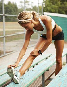 Que les fainéantes se rassurent 5-minutes-par-jour-suffit, juste le temps de 1 ou 2 bons tubes Muscle Fitness, Fitness Goals, Yoga Fitness, Health Fitness, Running Workouts, Fun Workouts, Sport Motivation, Fitness Motivation, Lifestyle Sports