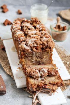 Cinnamon Banana Bread, Cinnamon Crumble, Moist Banana Bread, Vegan Banana Bread, Banana Bread Brownies, Cinnamon Cake, Vegan Bread, Sweet Recipes, Cake Recipes