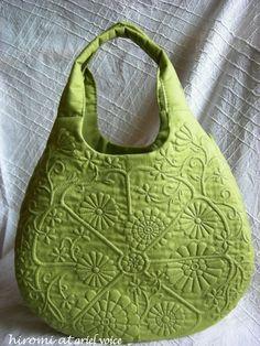 ブティ boutis :小さなラウンドバッグ〜グリーン〜 small round bag-green- - ブティ・ノーツ*ダイアリー boutis notes -diary-