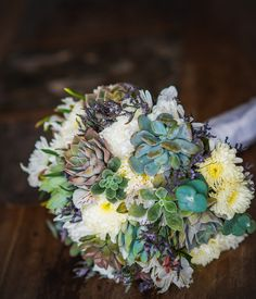 Romantic Succulent Bouquet. Summer wedding. Garden wedding. Cuban wedding
