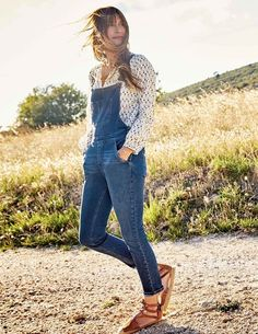 Caroline de Maigret for Boden - Katie Considers Womens Denim Overalls, Denim Dungarees, Daily Fashion, Love Fashion, Modern Fashion, Simple Outfits, Pretty Outfits, Casual Outfits, Punk Rock