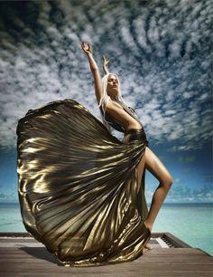 Water Sign Model: Jessiann Gravel-Beland Photographer(s): Luis Monteiro, Sumer Verma & Umeed Mistry Stylist: Anaita Shroff Adajania Magazine: Vogue India, May 2012 Vogue India, Image Fashion, Foto Fashion, Fashion Art, Fashion Images, Dress Fashion, Trendy Fashion, Ladies Fashion, Fashion Music