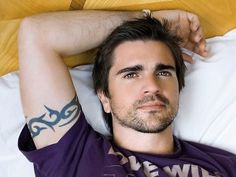 Juanes: his music, his humanitarian work, his kindess and his looks. He's got it all<3