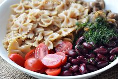 SALATA DE PASTE CU FASOLE ROSIE - Rețete Fel de Fel Pasta Salad, Spaghetti, Ethnic Recipes, Food, Salads, Crab Pasta Salad, Essen, Meals, Yemek