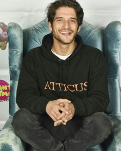 Actor Tyler Posey attends 'The Night Time Show' Holiday Special benefiting Child. - Actor Tyler Posey attends 'The Night Time Show' Holiday Special benefiting Children's Hospita - Tyler Posey Teen Wolf, Teen Wolf Boys, Teen Wolf Cast, Tyler Garcia Posey, Mary Johnson, Wolf Love, Scott Mccall, Netflix, Child Actors