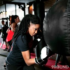 It's no secret that kickboxing has been getting lots of praise lately for being an amazing form of exercise to change your body and your mindset -- just check out this article from #TimeMagazine:  So why choose 9Round as the place to get your kickboxing fix in? You get all the benefits provided by a boxing class (power and strength building, calorie burning, improved coordination, and improved mental focus) packag…