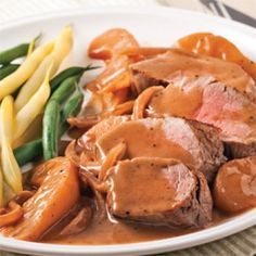 Pork tenderloin with pears and red wine - 5 ingredients 15 minutes - Pork tenderloin with pears and red wine – Weekly dinners – Recipes – Express recipes - Snack Recipes, Dinner Recipes, Cooking Recipes, Healthy Recipes, Healthy Habits, Dinner Ideas, I Love Food, Good Food, Beef Flank