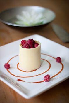 Hallonmousse med vit choklad