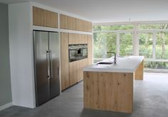 Koak Design makes real oak doors for IKEA kitchen cabinets. Koak + IKEA = your design! Ikea Metod Kitchen, Ikea Kitchen Cabinets, Kitchen Utilities, Design Jardin, Interior Work, Cuisines Design, Küchen Design, Kitchen Styling, Home Kitchens