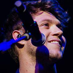 "nhupdates: "" Niall Horan performs during the annual WZPL Birthday Bash - (x) "" Theo Horan, Naill Horan, James Horan, Ex One Direction, Irish Singers, Wonder Boys, Irish Baby, Irish Men, Dream Guy"