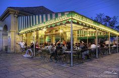 Cafe Du Monde by Evan Gearing (Evan's Expo), via Flickr