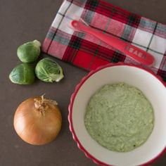 Ham, Onion and Brussels Sprout Baby Food Purée The Crib Baby Puree Recipes, Baby Food Recipes, Lactation Oatmeal Recipe, Brussle Sprouts, Healthy Packed Lunches, Baby Eating, Homemade Baby Foods, Salad Ingredients, Organic Recipes