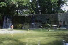Camping les Arches*** - Ardeche (Frankrijk). Op twee minuten loopafstand is ook een echte waterval.