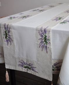 Diplomatic Luscious Lilacs Vintage Hand Embroidered Table Centre Doily Discounts Price Embroidery