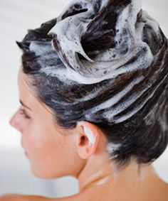 """Many people are wanting to go natural with beauty products. Some absolutely just do not like all the chemicals in their shampoo. This has given rise to a no-shampoo movement called """"No Poo."""" Other people just like the way their hair feels without shampoo. Hair Masks For Dry Damaged Hair, Oily Hair, Homemade Hair Treatments, Olive Oil Hair, How To Lighten Hair, Home Remedies For Hair, Hair Shampoo, Violet Shampoo, Tips Belleza"""