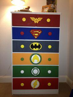 Justice league comic dresser. Superman should be on top not Wonder Woman