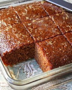 Christmas Gingerbread Cake recipe from ifood. For recipe directions, please refer to the video Romanian Desserts, Romanian Food, No Cook Desserts, Delicious Desserts, Yummy Food, Xmas Food, Christmas Baking, Baking Recipes, Cake Recipes