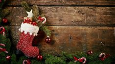 But ze świątecznym prezentem Facebook Header, Facebook Cover Images, Christmas Decorations, Christmas Ornaments, Holiday Decor, Deco Studio, Country Christmas, Cover Photos, Christmas Stockings