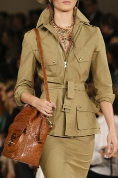 Ralph Lauren - Spring 2015 Ready-to-Wear - Look 25 of 120 Safari Outfits, Safari Dress, Ralph Lauren Safari, Ralph Lauren Style, Look Fashion, Winter Fashion, Fashion Show, Womens Fashion, Fashion News