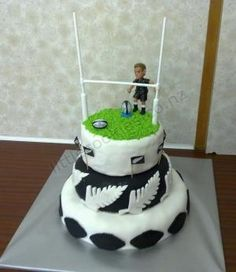 Rugby Cake by Antoinette