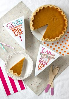 Last-minute Thanksgiving Craft Ideas and Free Printables
