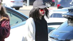 Selena Gomez Debuts Hot Makeover With Chic Bangs & Red Lips Ahead Of AMAs Performance — Pics https://tmbw.news/selena-gomez-debuts-hot-makeover-with-chic-bangs-red-lips-ahead-of-amas-performance-pics  So hot! Selena Gomez just debuted some cute new bangs a day ahead of her American Music Awards performance! Check out the pics!Can't wait to see Selena Gomez , 25, perform at the American Music Awards on Sunday, Nov. 18!? Neither can we! And it looks like the songstress is taking some…