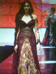 Red kebaya wedding dress idea