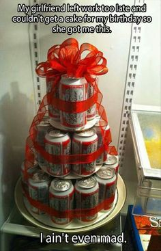 Beer cake for guys before wedding or for birthday Tecate Light, Craft Gifts, Diy Gifts, Beer Can Cakes, Cake In A Can, Festa Party, Before Wedding, Creative Gifts, Party Gifts
