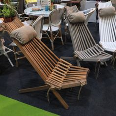 super comfortable folding chairs from Limes & Vines - bet they'd be pretty easy to make too... #GDLive