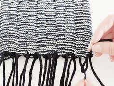 Kostenlose DIY Anleitung: Web Dir Deinen eigenen Teppich oder Fußläufer / free diy tutorial: how to weave a carpet via DaWanda.com