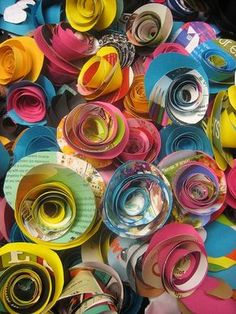 Looking for amazing recycled magazine crafts. We all have old magazines, papers, documents and books lying around the place, here are some ...