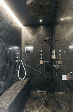 Im Gaste Naturstein Bad Ist Die Dusche Mit Grossformatigen Wand